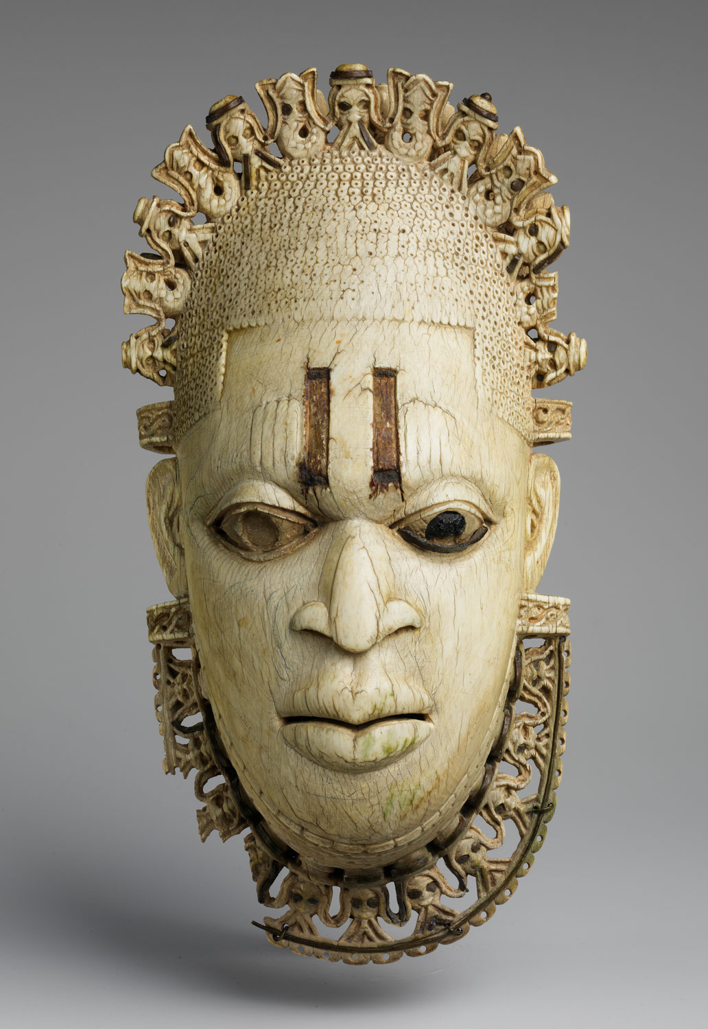 Queen Mother Pendant Mask: Iyoba