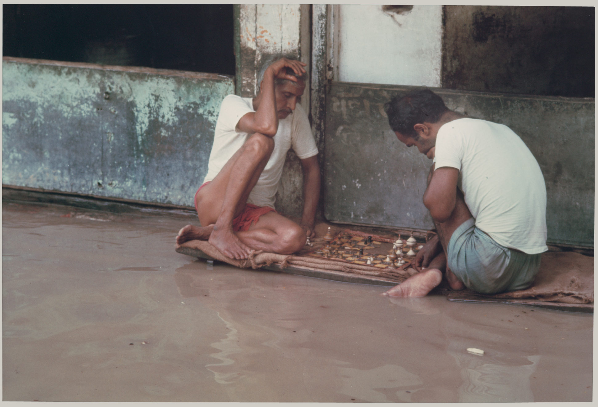 Chess Players, Banaras Floods