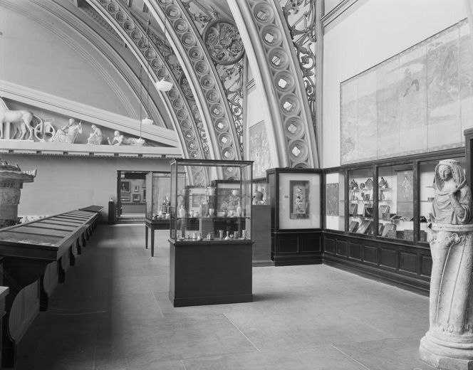 The Metropolitan Museum of Art, Wing A, Gallery 22: The H.O. Havemeyer Collection (March 11–November 2, 1930); View looking southeast. Photographed March 10, 1930. © The Metropolitan Museum of Art
