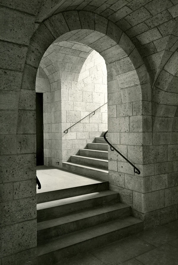 Landing between Postern entrance and Main Hall of The Cloisters, 1938