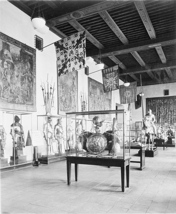 The gallery known as the Hall of Princes, newly installed at The Metropolitan Museum of Art, 1915