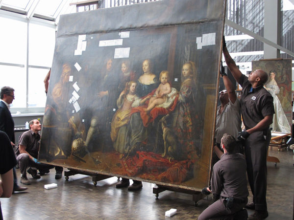 Putting it on an easel in conservation