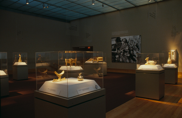 Gallery view of the exhibition Treasures of Tutankhamun. Photo by Al Mozell. © The Metropolitan Museum of Art