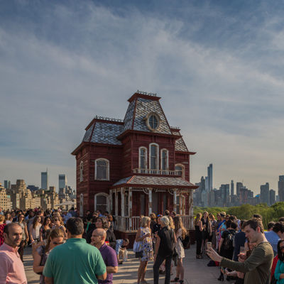 Members enjoy drinks and panoramic views on The Met