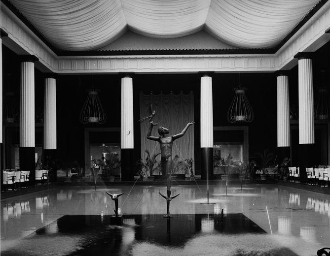 The Metropolitan Museum Of Art Restaurant Designed By Dorothy Draper 1950s