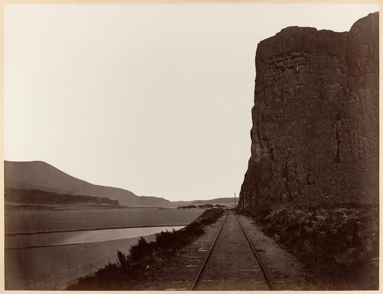 Carlton Watkins: Cape Horn near Celilo, 1867