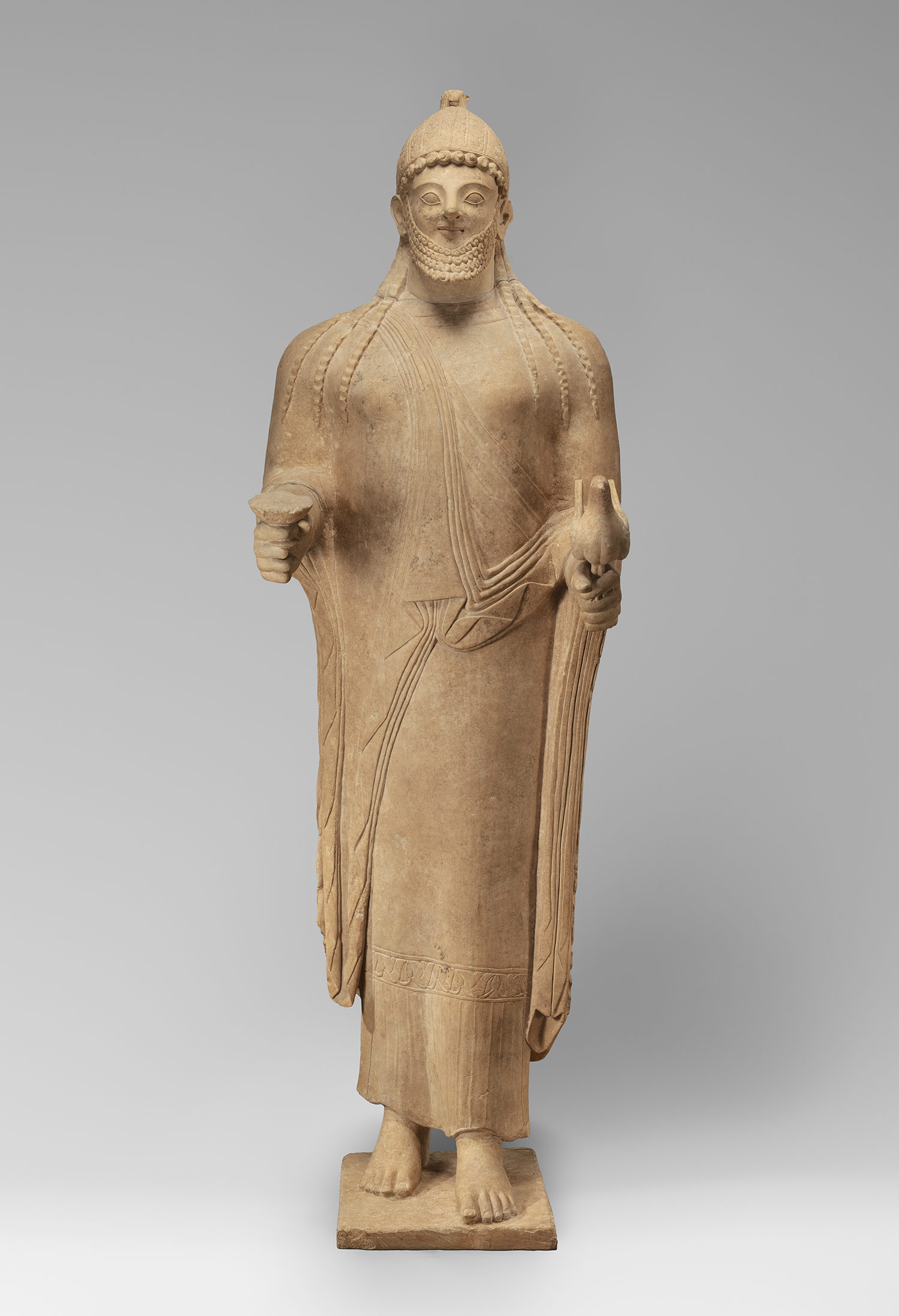 archaic style sculpture Archaic period (8th - early 5th century bc) the earliest attempts at sculpture in the round take the form of small figures of men, gods and animals in clay or bronze by the end of the 8th century the.