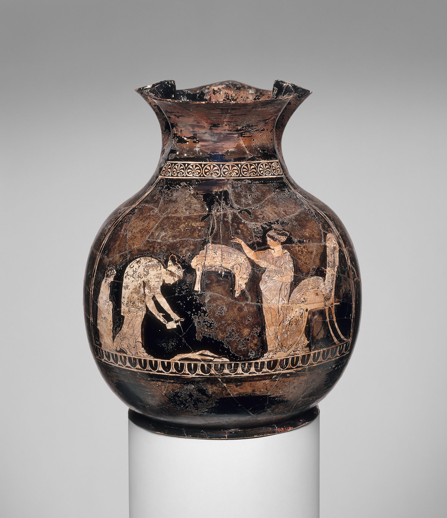 essays on women in ancient greece Women's role in greece can be seen when one first begins to do research on the subject the subject of women in greece is coupled with the subject of slaves.