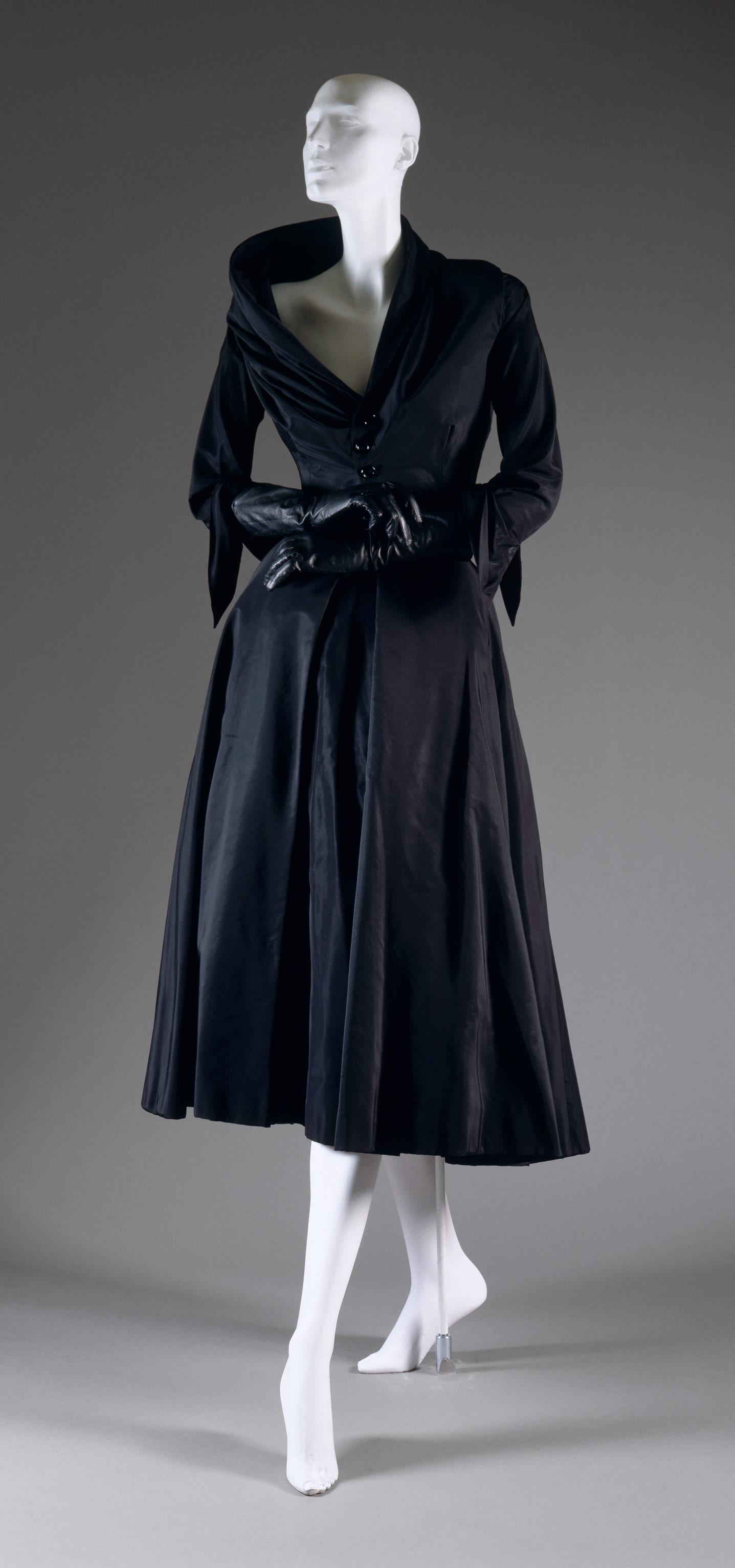 ازياء كريستيان ديور Christian Dior