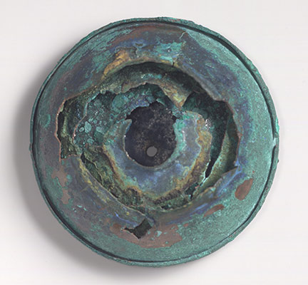 Bronze lid and upper part of an oil flask