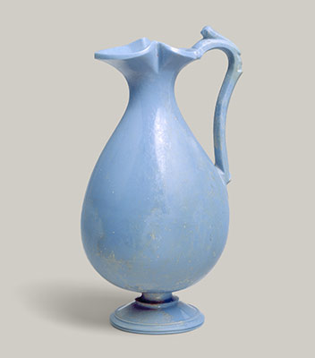 Glass oinochoe (jug)