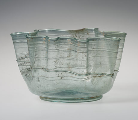 Glass handkerchief bowl