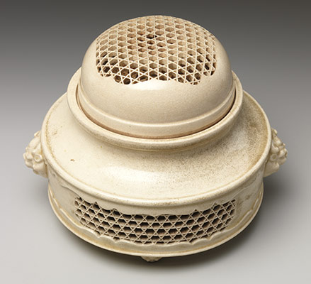 Incense Burner (koro) and Cover with Molded and Reticulated Design