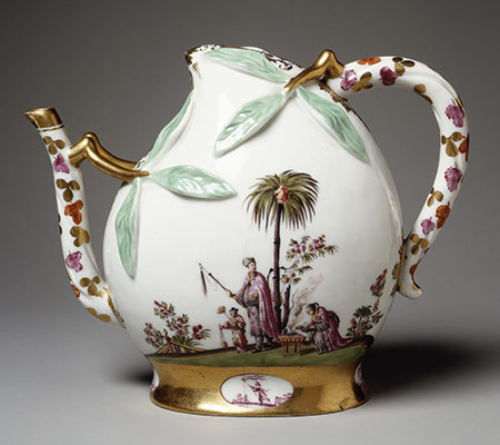 Wine pot in the shape of a peach (cadogan type)
