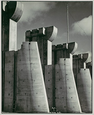 photography and everyday life in america essay  fort peck dam montana