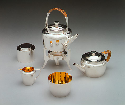 Traveling tea set