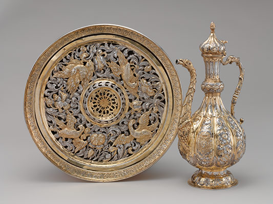 Ewer and basin (lavabo set)