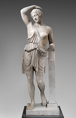 what is the difference between greek and roman art