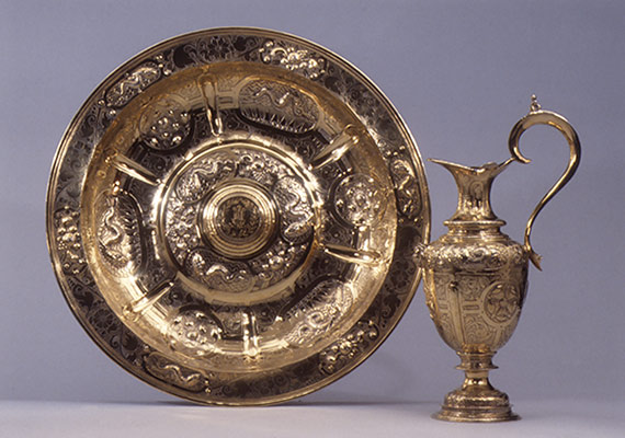 What is the significance of Personal Silverware in American history?