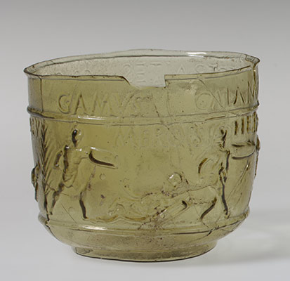 Glass gladiator cup