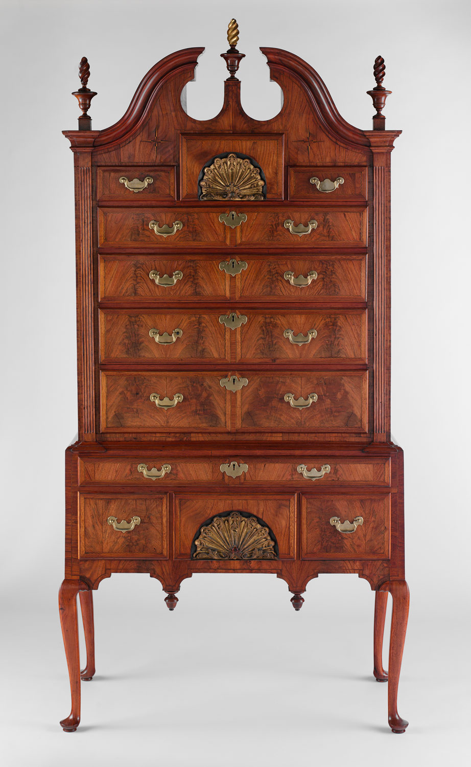 Queen Anne Chair History chest of drawer...