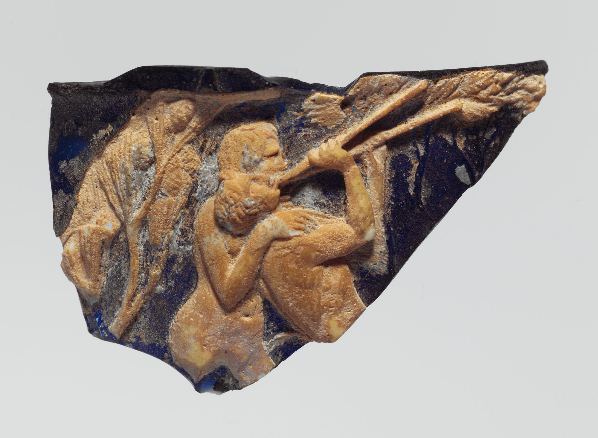 Glass cameo cup (scyphus) fragment