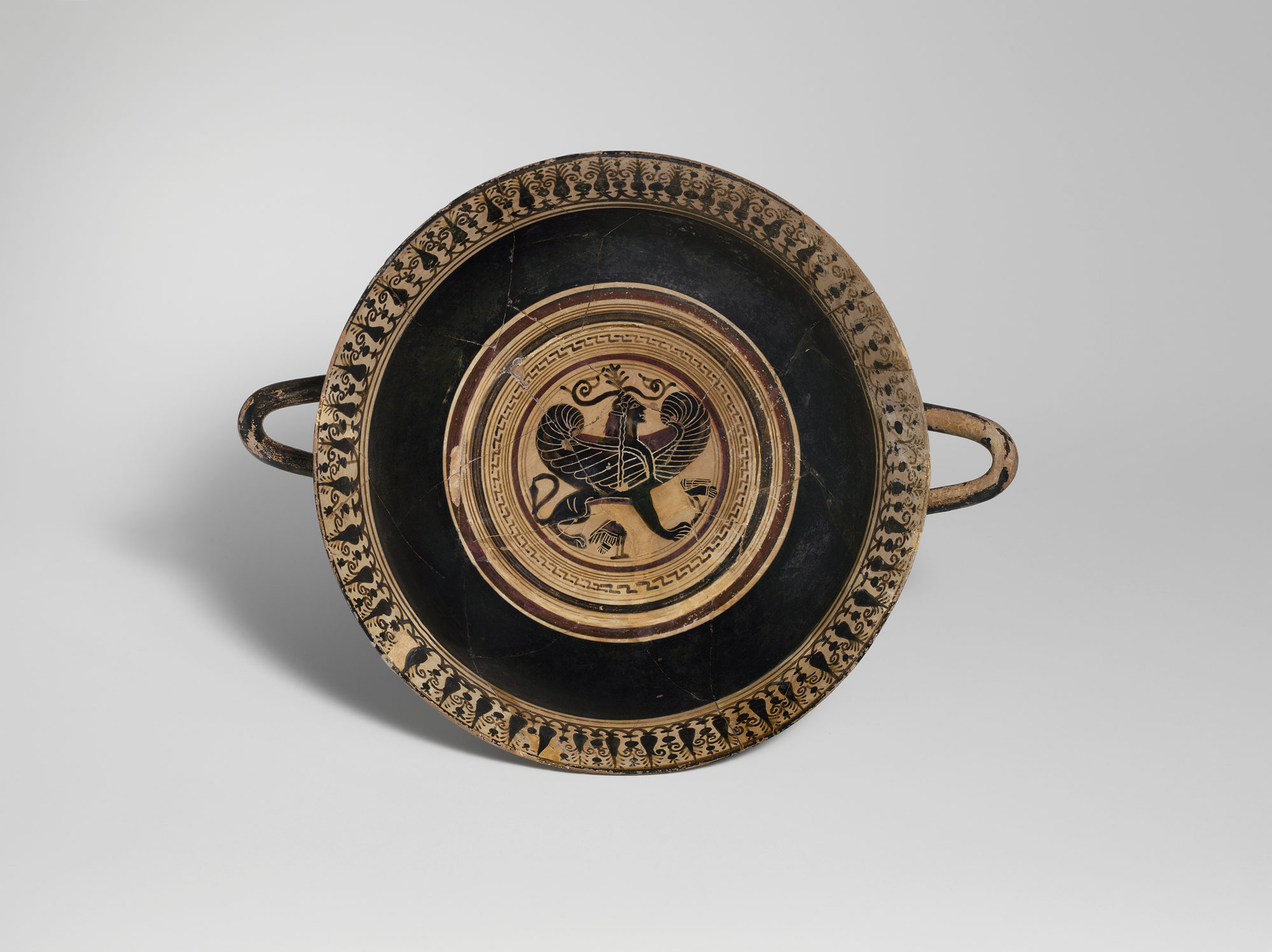 art and craft in archaic sparta essay heilbrunn timeline of terracotta kylix drinking cup