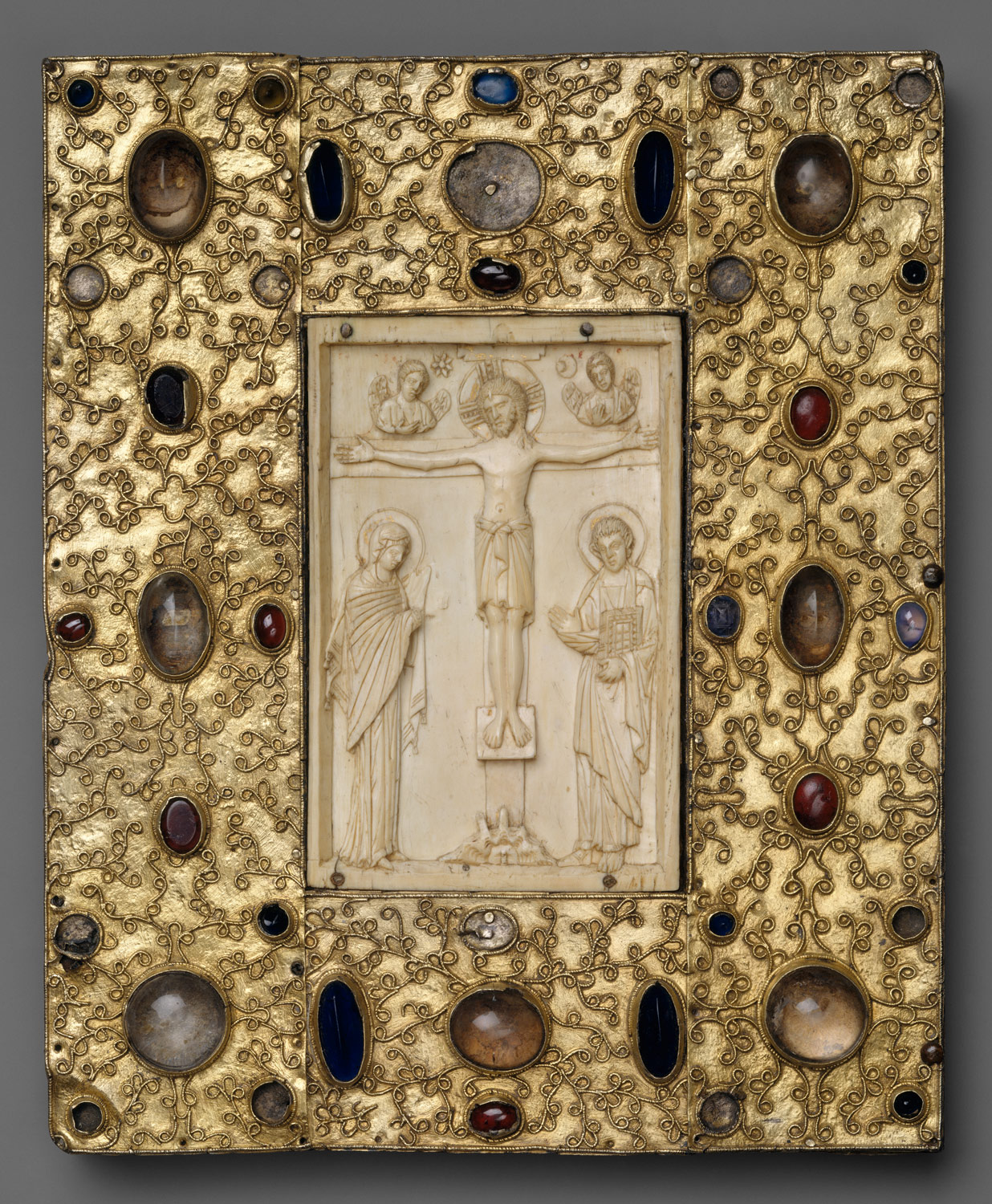 the art of the book in the middle ages essay heilbrunn   book cover byzantine icon of the crucifixion