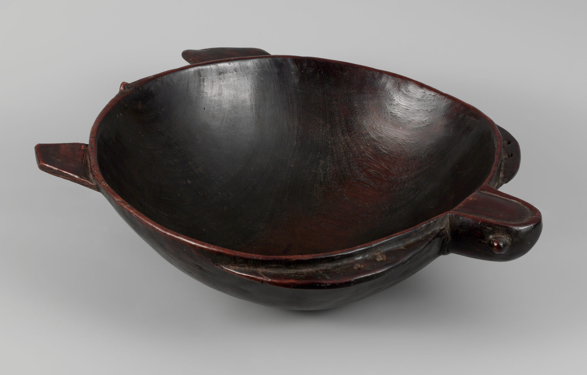 Object Type: Inspiration Dish Indigenous Name: Darivonu Location: Fiji Date: Early 19th Century Materials: Wood Dimensions: W. 22 x L. 18 7/8 in. Institute: The Metropolitan Museum of Art, 1979.206.1579