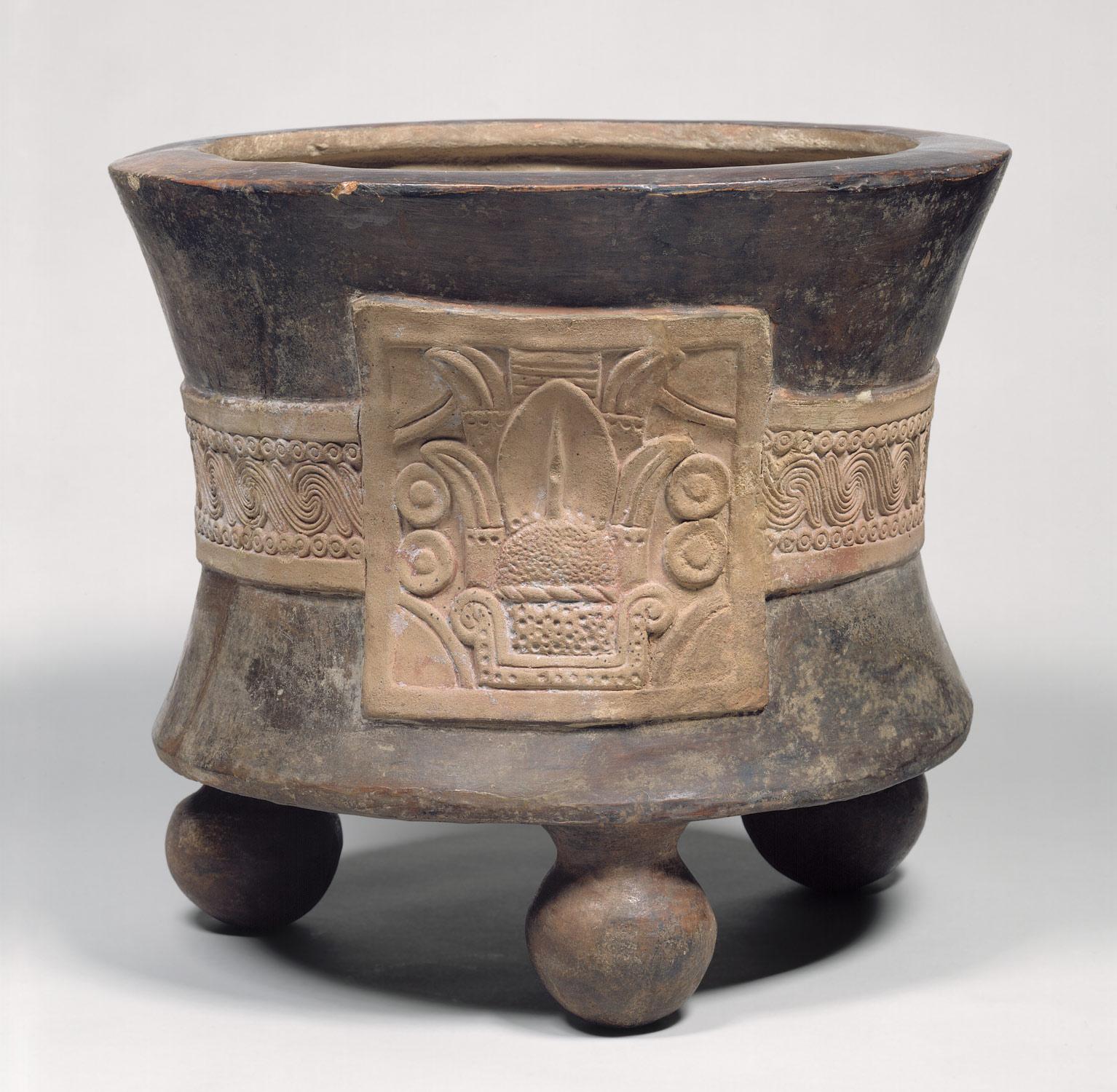 Tripod Vessel with Date Glyph