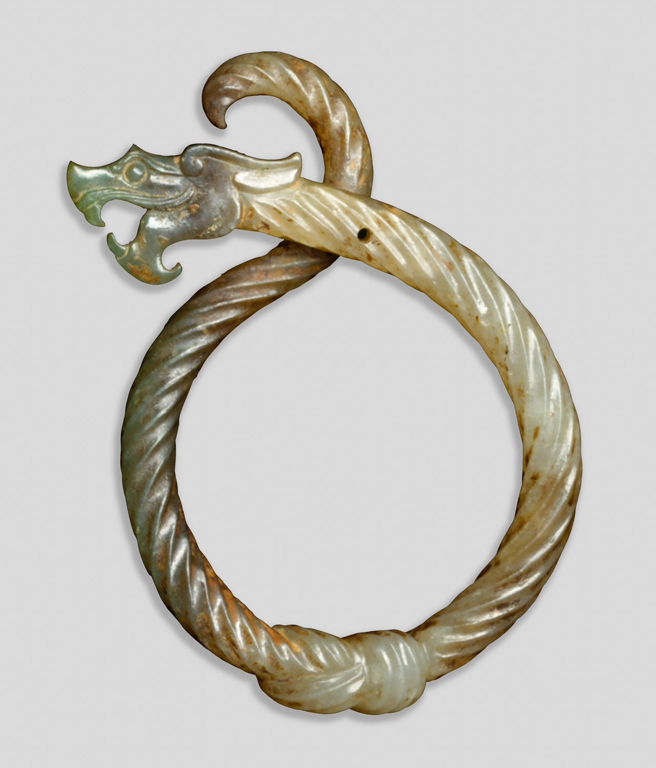Pendant in the form of knotted dragon