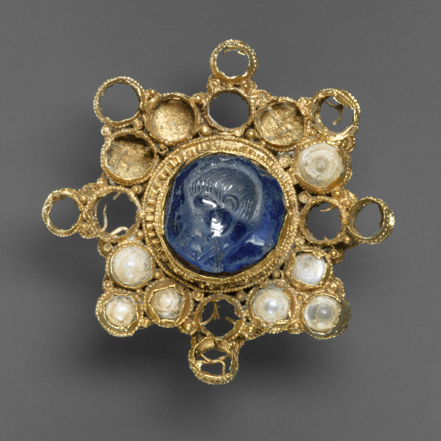 Star-Shaped Brooch with Intaglio
