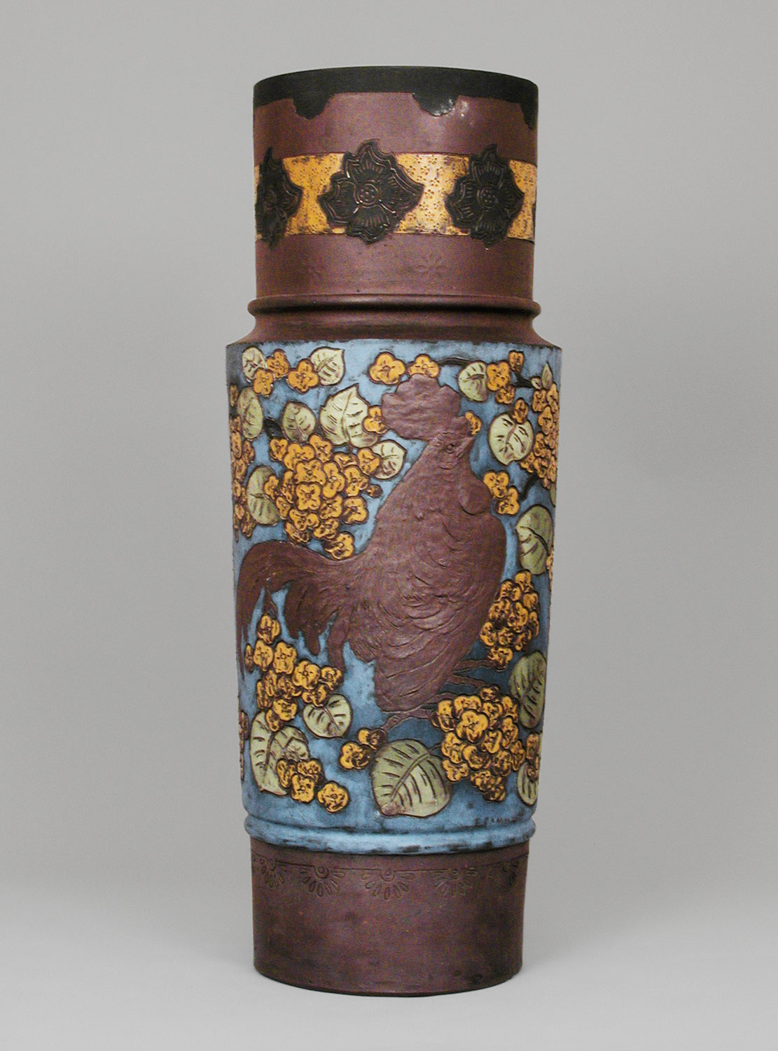 Vase with rooster