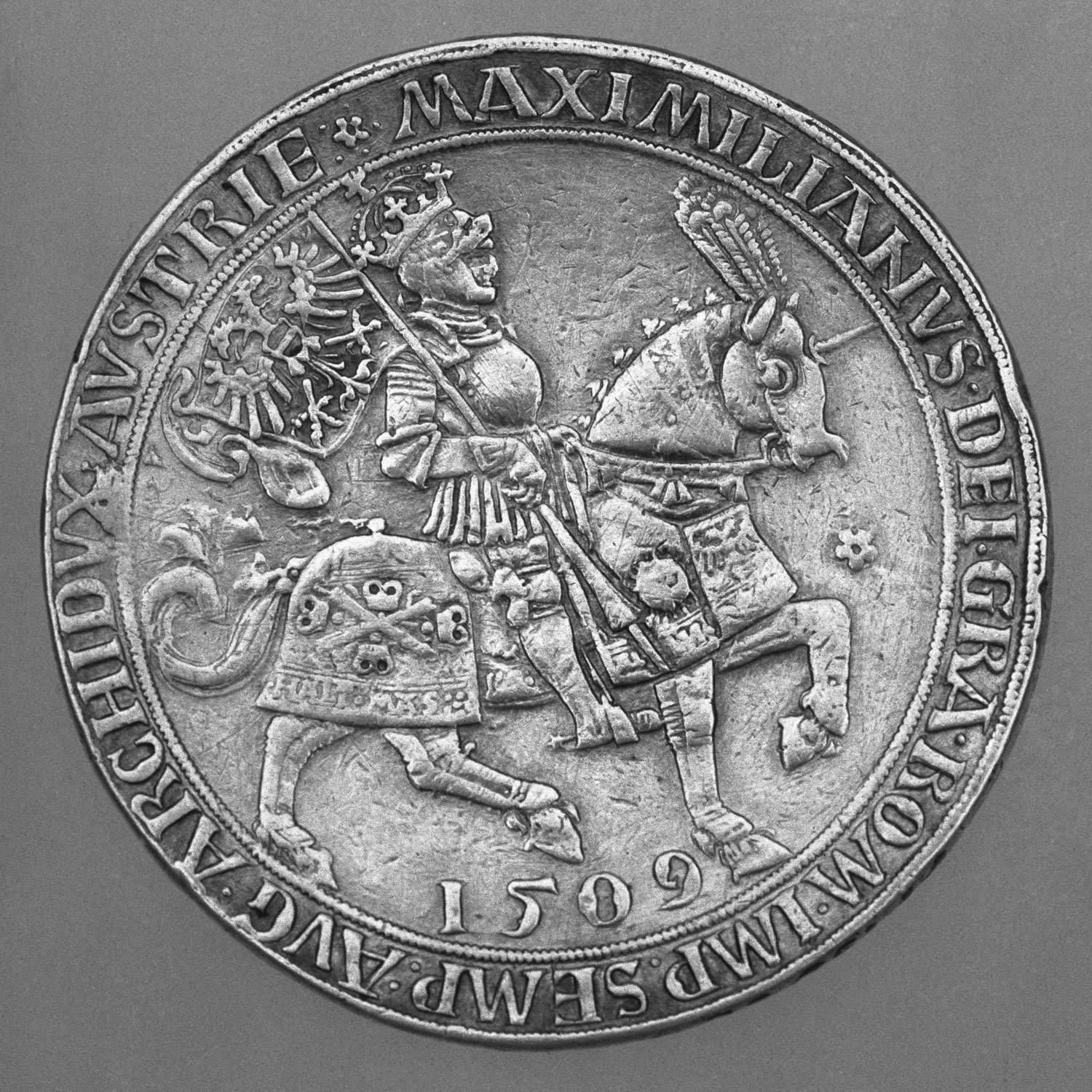 horse armor in europe essay heilbrunn timeline of art history 16th Century in America Jewelry presentation coin doppelguldiner showing maximilian i 1459 1519