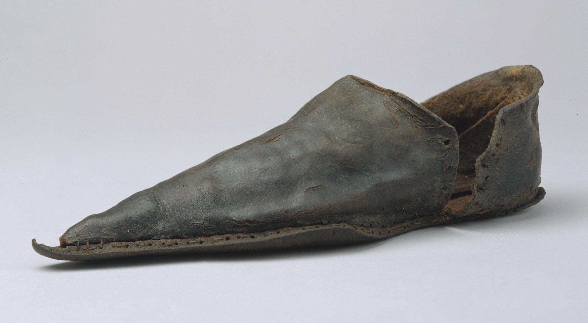 Shoes In The Costume Institute Essay Heilbrunn