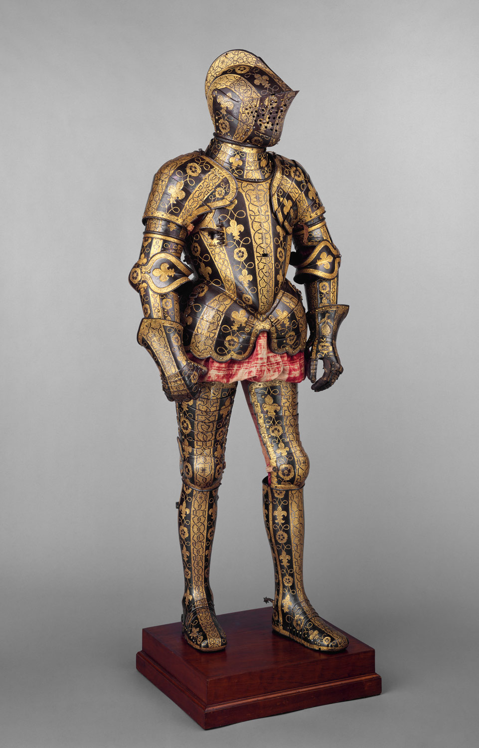 Armor Garniture of George Clifford (1558–1605), Third Earl of Cumberland