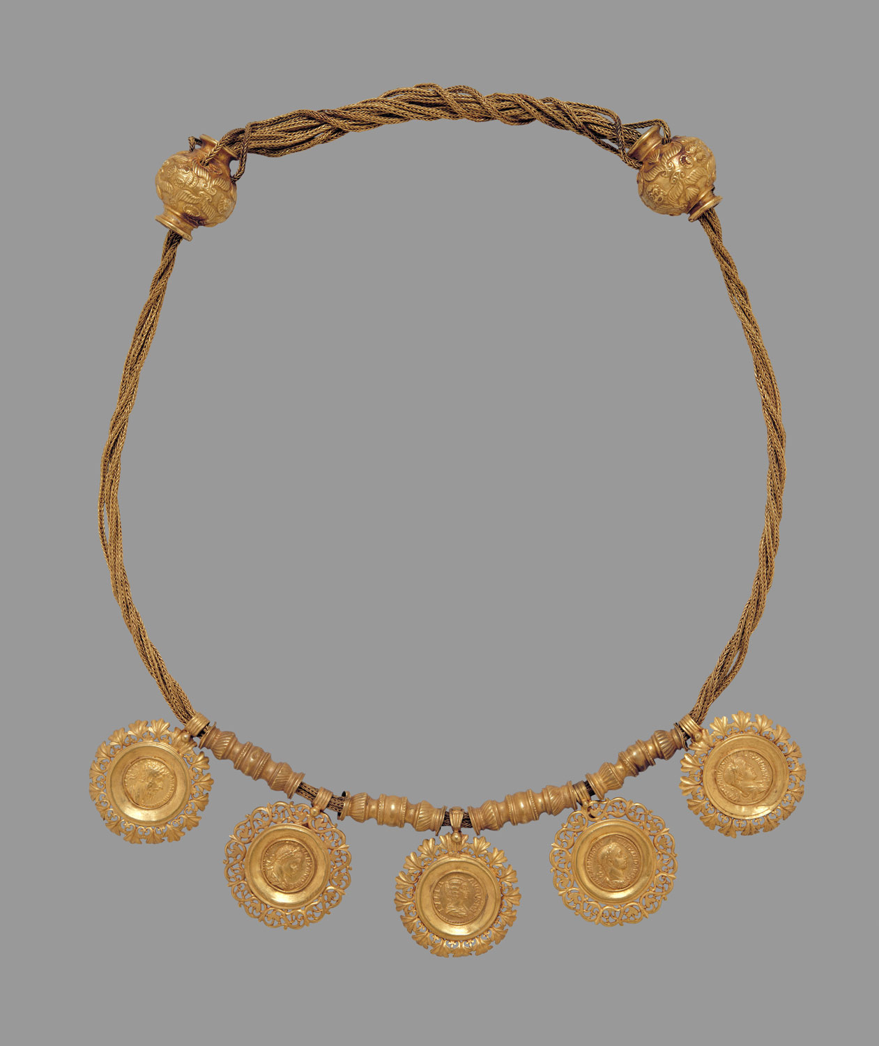 fc3322157dd4 ... Collar with medallions containing coins of emperors ...
