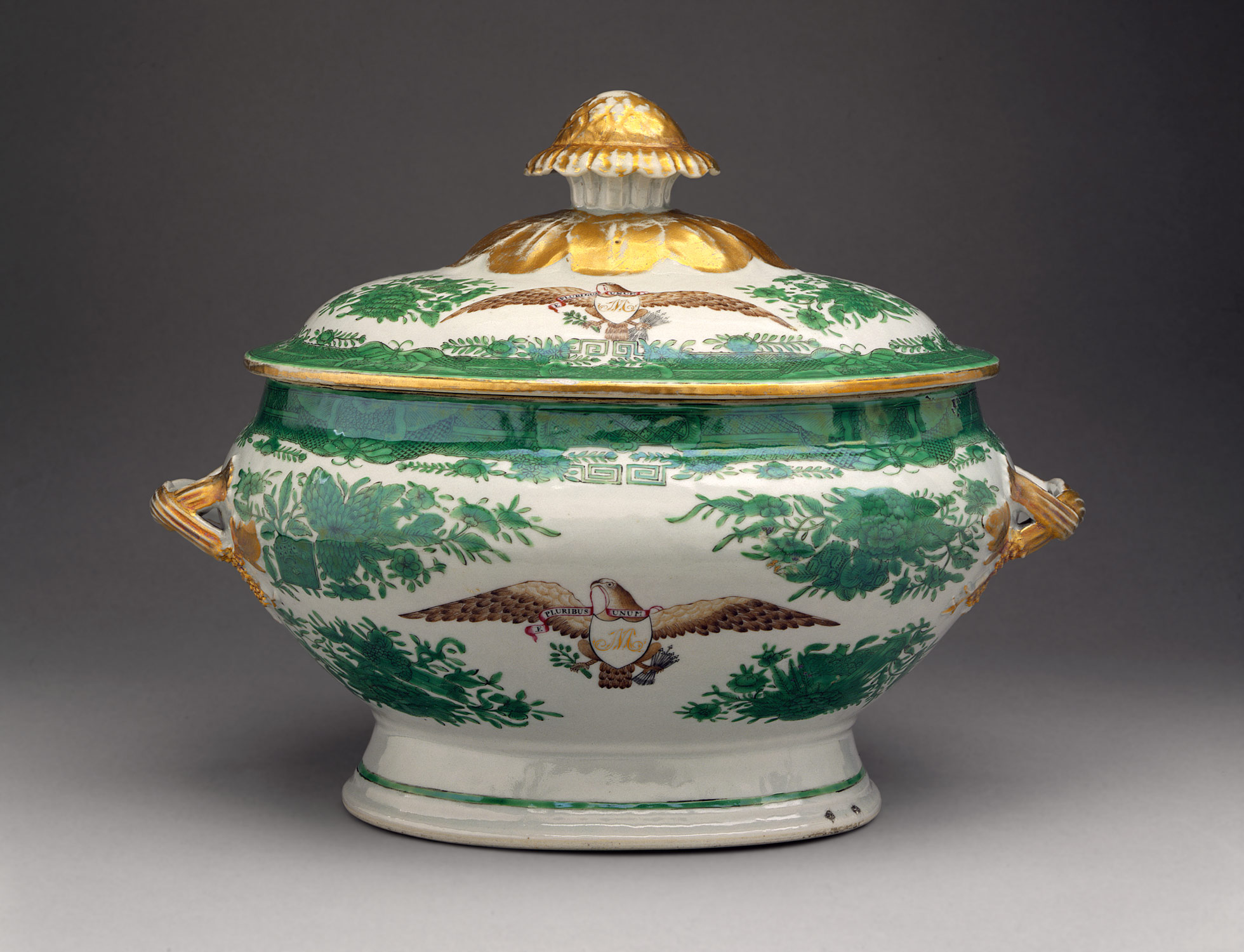 Tureen with cover (part of a service)
