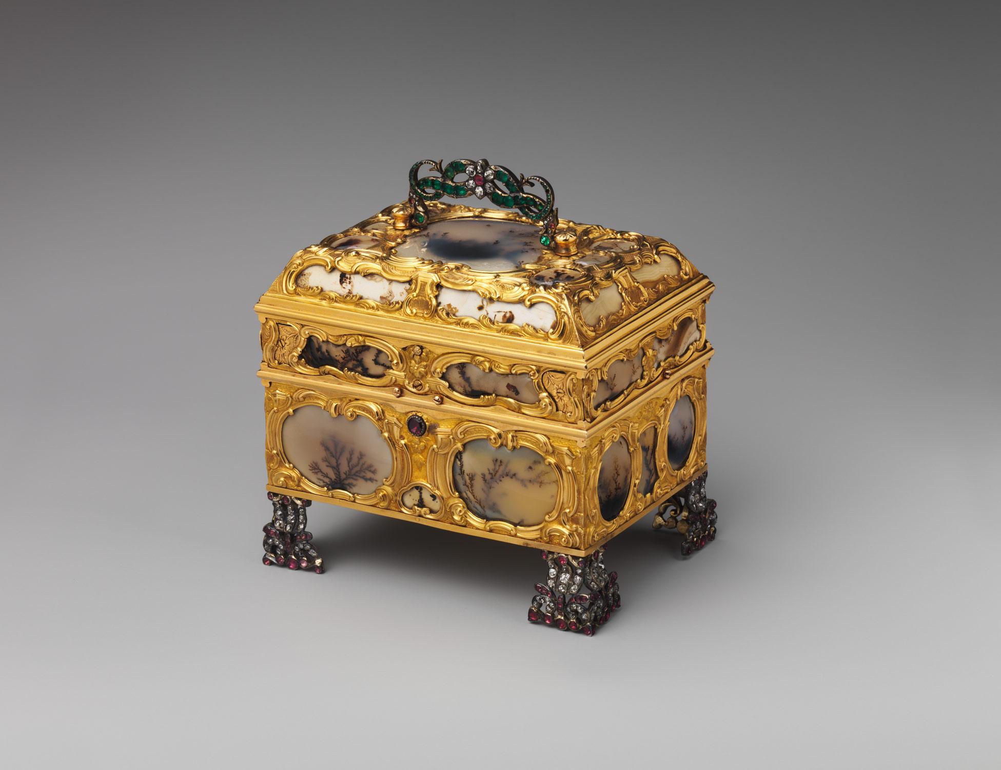http://www.metmuseum.org/toah/images/hb/hb_57.128a-o_av2.jpg