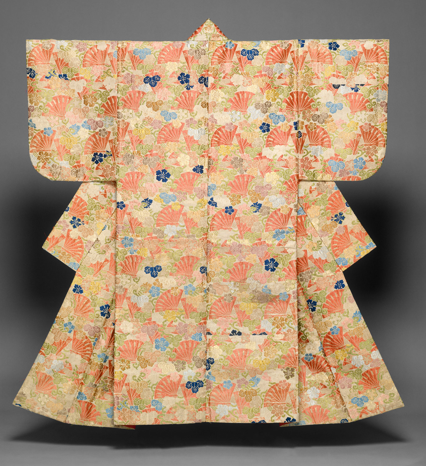 Noh costume (karaori) with cypress fans and yûgao blossoms