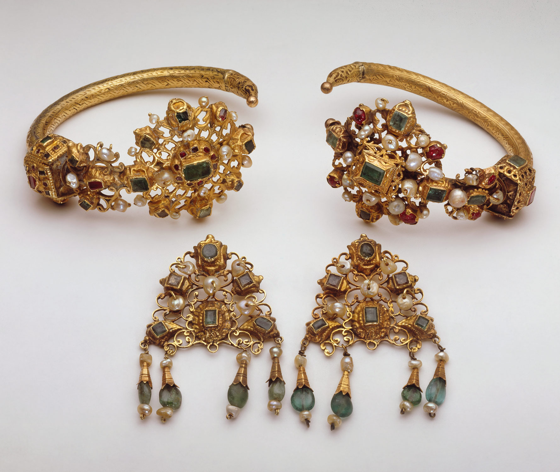 Gold Head Ornaments