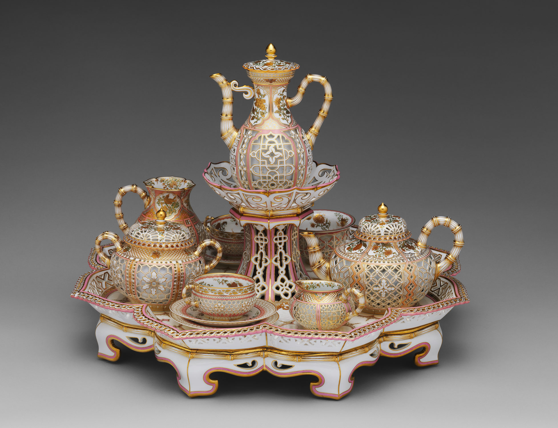 Coffee and tea service (dejeuner chinois reticule)