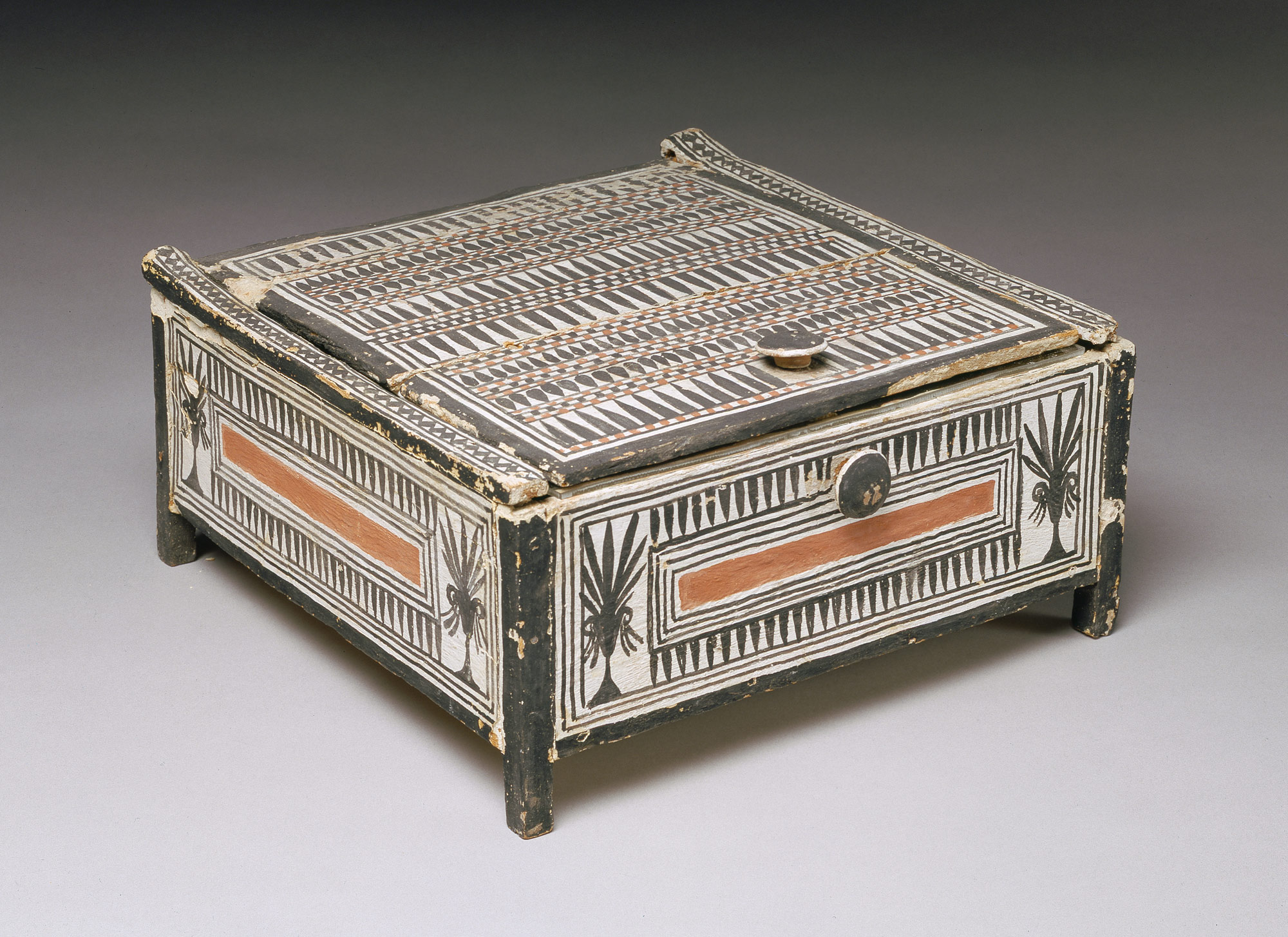 Ancient egyptian table -  Cosmetic Box From The Tomb Of Sennedjem