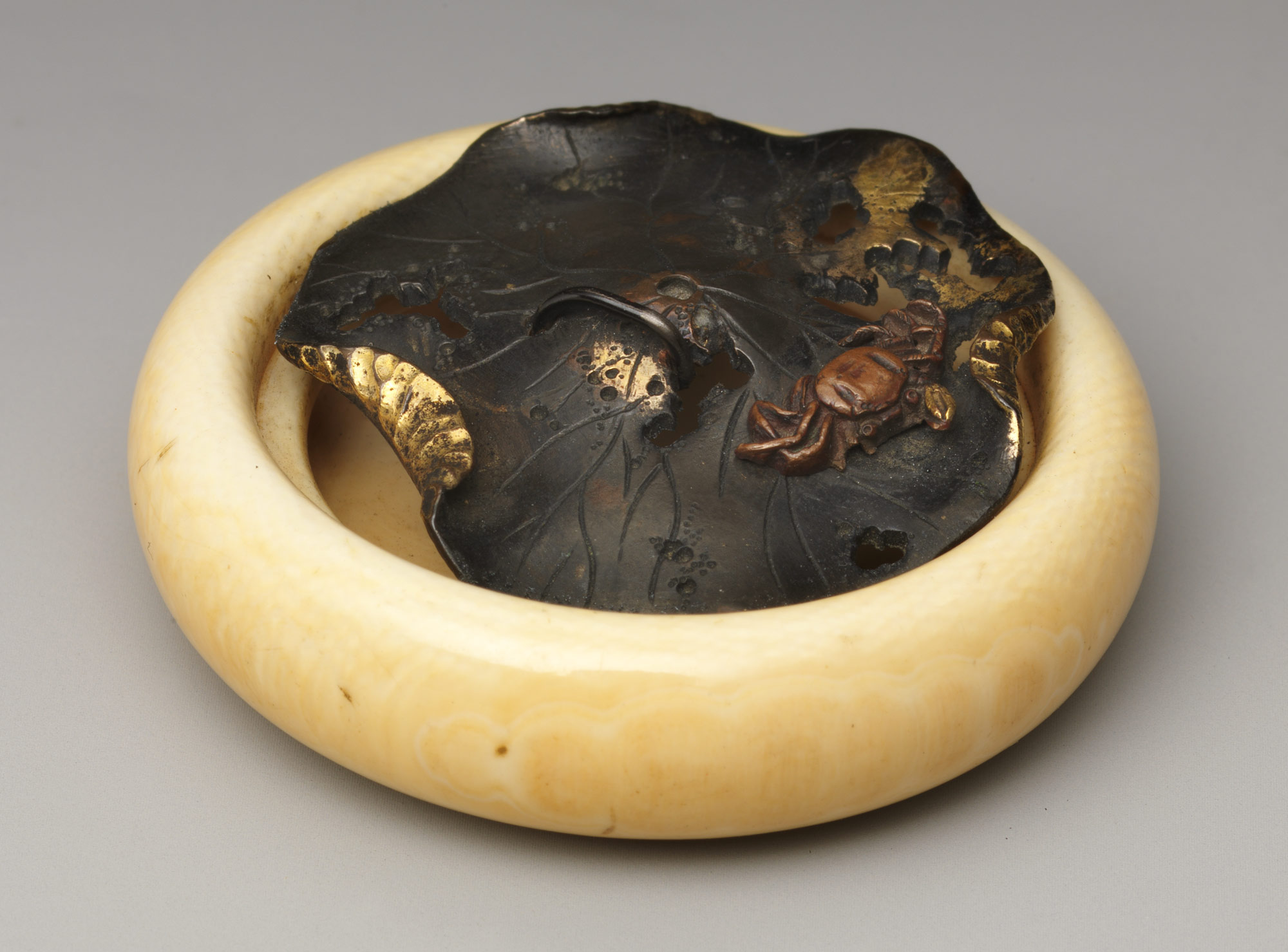 Netsuke in the Shape of Crab on a Lotus Leaf