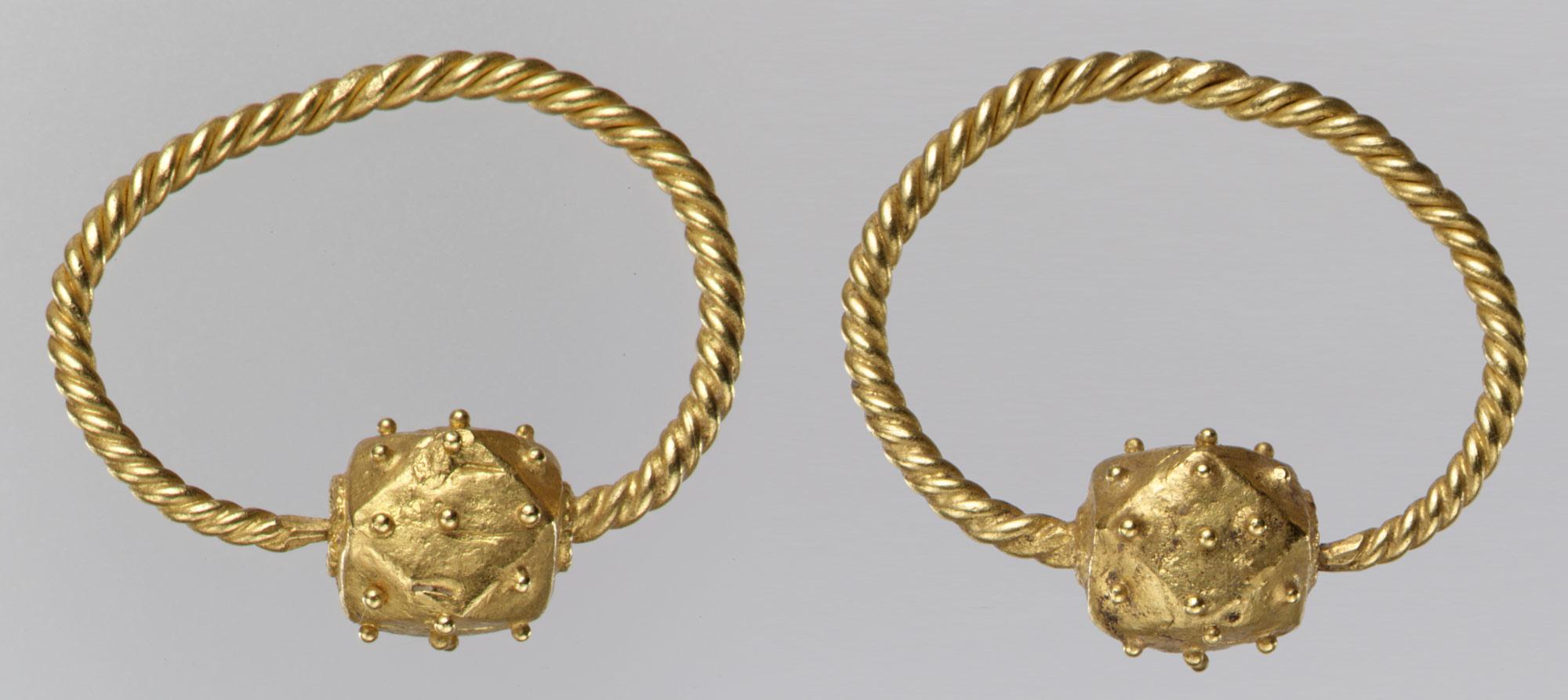 Gold Earring | Work of Art | Heilbrunn Timeline of Art History ...
